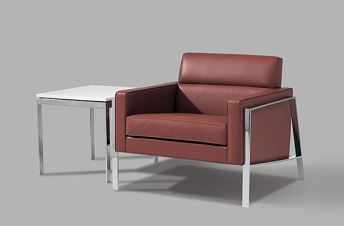 Times Square Lounge chair with Lundin table
