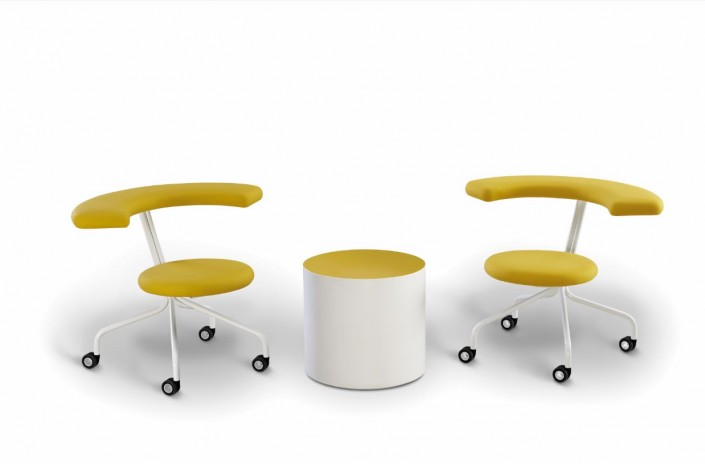 Atomo Atomo chairs with Cor-Bitz table